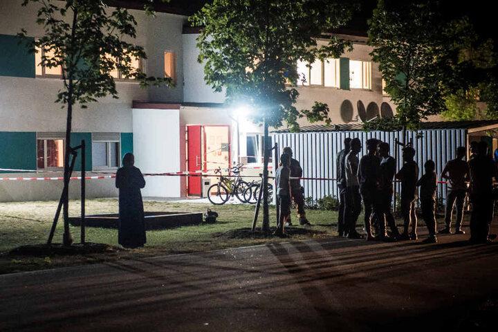 Die Bewohner mussten die Asylunterkunft in Abensberg aufgrund des Brandes zwischenzeitlich verlassen.