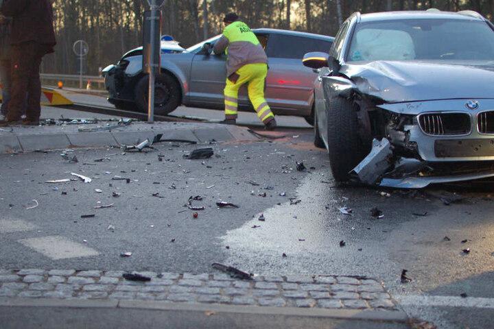 Der Fahrer des BMW hatte offenbar einen entgegenkommenden Audi übersehen.