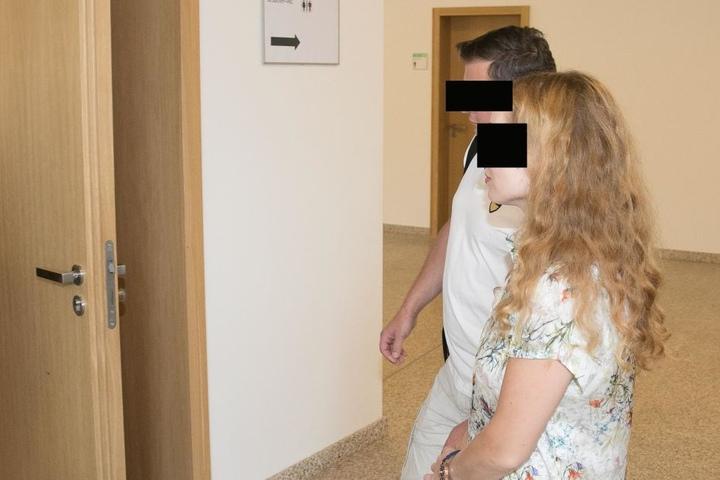 Yuliya und Wladimir B. (beide 37) sollen Plagiate verkauft haben.