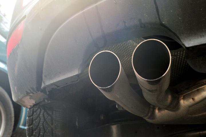 Abgaswerte sollen mit Hilfe eines Computerprogramms gesenkt worden sein. (Symbolbild)