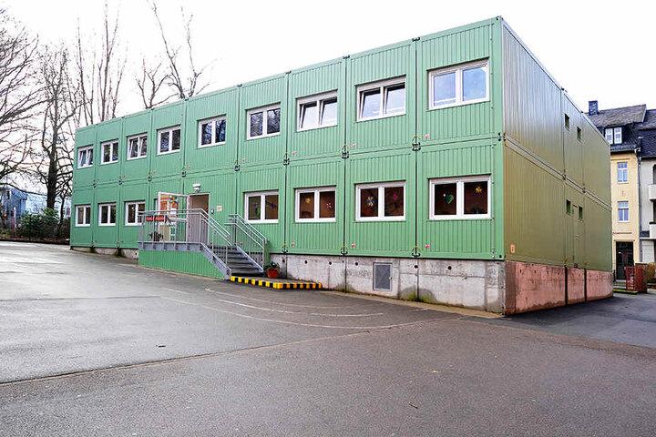 Fast 80 Grundschüler lernen in der Containerschule in Altendorf.
