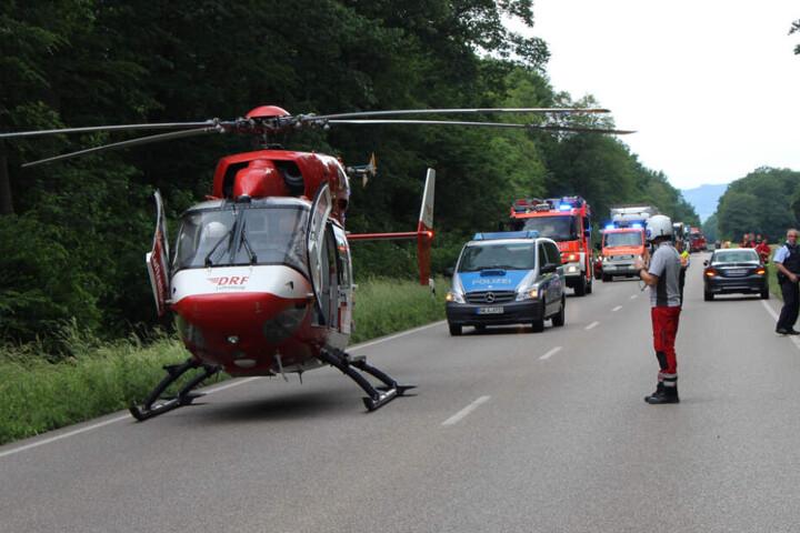 Die Beifahrerin des Toyota-Fahrers wurde schwer verletzt ins Krankenhaus gebracht.