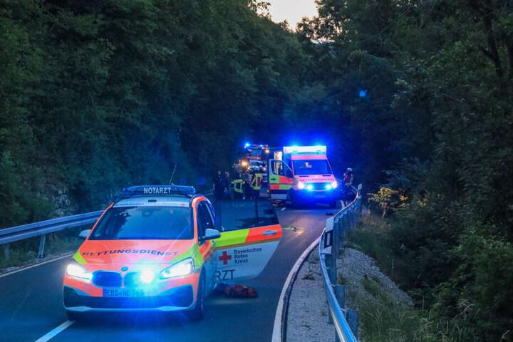 Die Rettungskräfte konnten nichts mehr für den jungen Biker tun - er verstarb noch am Unfallort.
