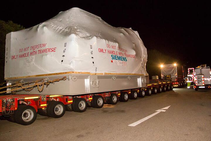 Die geladene Gasturbine soll bis in die USA verschifft werden.