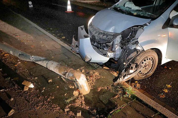 Die Fahrerin des Toyota wurde bei dem Unfall verletzt.