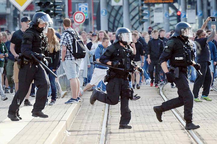 Bei zwei Demonstrationen Ende August gab es mehrere Übergriffe auf Polizisten.