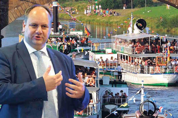 OB Dirk Hilbert (44, FDP) eröffnet um 19 Uhr das Stadtfest. Die Dampferparade fiel im letzten Jahr wegen Wassermangels in der Elbe aus.  Samstag legen neun Dampfer ab.