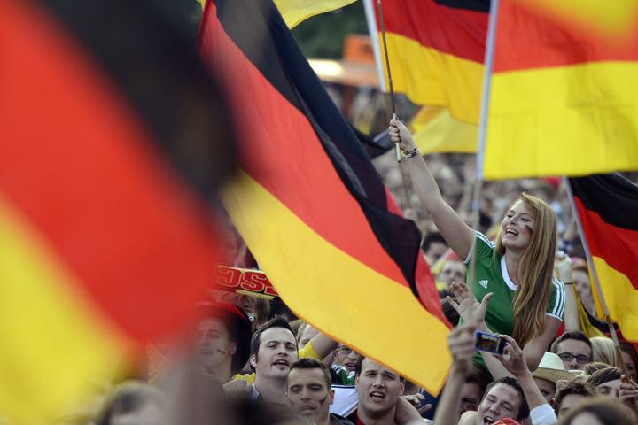Ramelow glaubt, dass sich Ostdeutsche noch immer nicht mit der Hymne identifizieren können. Ein neuer Text soll helfen. (Symbolbild)