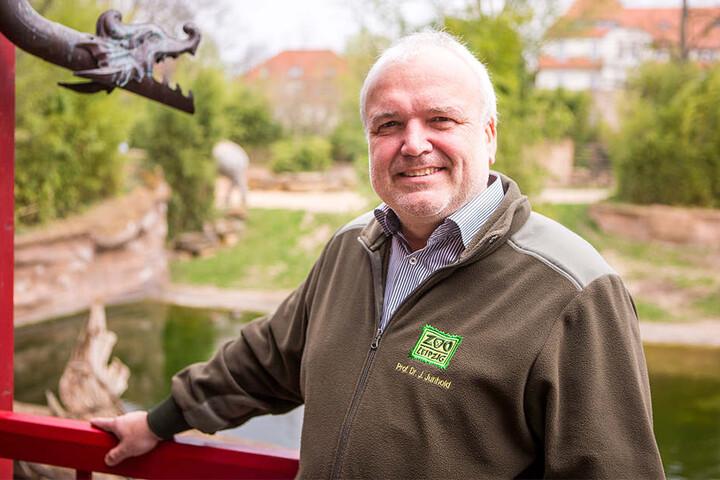 Zoodirektor Jörg Junhold (53) freute sich über die zahlreichen Gäste, die gekommen waren, um Voi Nam zu gratulieren.