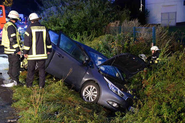 Auch die Feuerwehr wurde zum Unfallort gerufen.