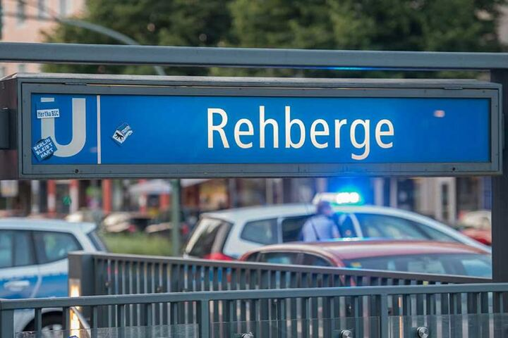 Am U-Bahnhof Rehberge war Endstation. Die Fahrgäste mussten die havarierte U-Bahn verlassen.
