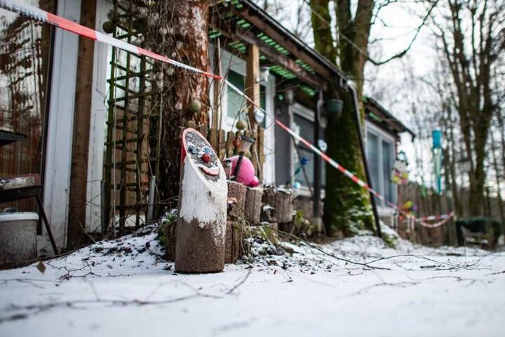 Die Polizei sperrte Teile des Campingplatzes ab.