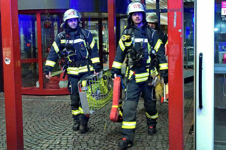 Mit 50 bis 60 Einsatzkräften war die Feuerwehr vor Ort.