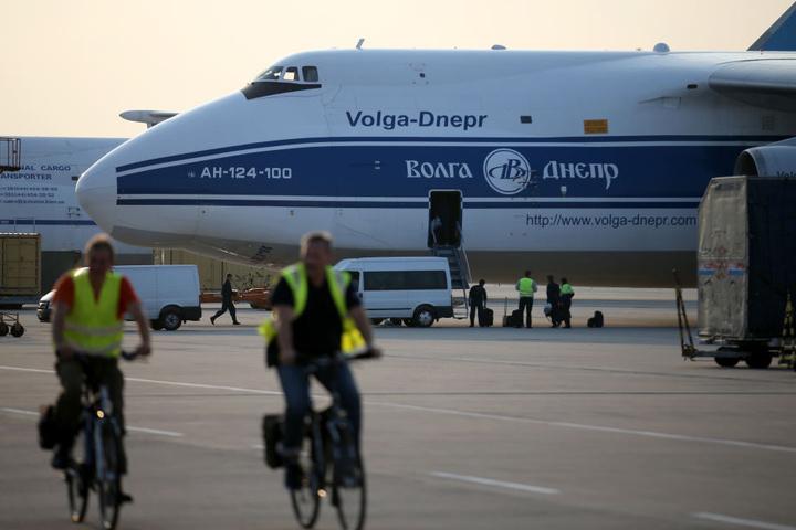 Der neue Koalitionsvertrag sieht vor, dass der Flughafen Leipzig/Halle neues Fracht-Drehkreuz in Deutschland wird.