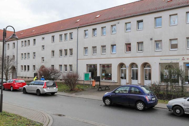 In diesem Wohnblock in Benndorf (Sachsen-Anhalt) wurden die zwei toten Babys entdeckt.