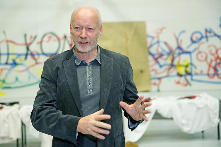 Roland Örtel (63), Leiter Technische Dienste im Schauspielhaus.
