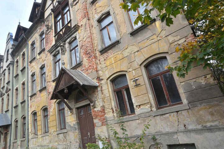 In diesem inzwischen leerstehenden Wohnhaus starb das Opfer durch Schläge und Tritte seiner Saufkumpane.