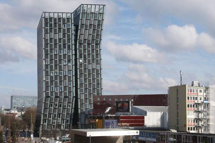Die Tanzenden Türme auf der Reeperbahn haben sich zu einem Wahrzeichen von St. Pauli entwickelt.