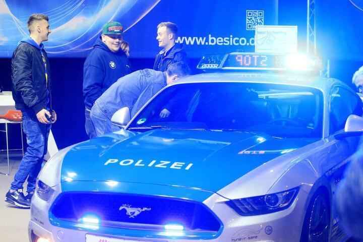 Der Polizei-Mustang ist ein Hingucker für alle Tuning-Fans.