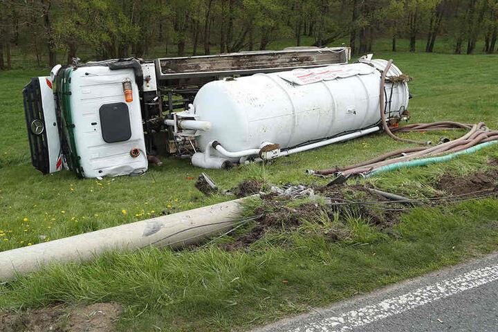 Der 36-jährige Fahrer wurde leicht verletzt.