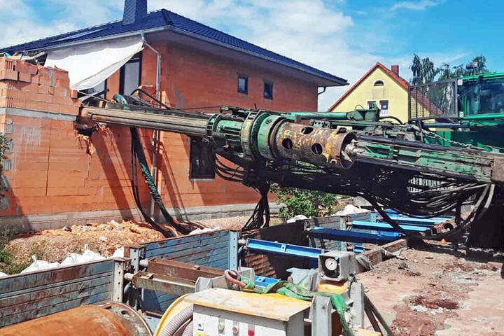 Am 30. Juni passierte es: Der 71-Tonnen-Bohrer krachte auf ein unfertiges Haus.