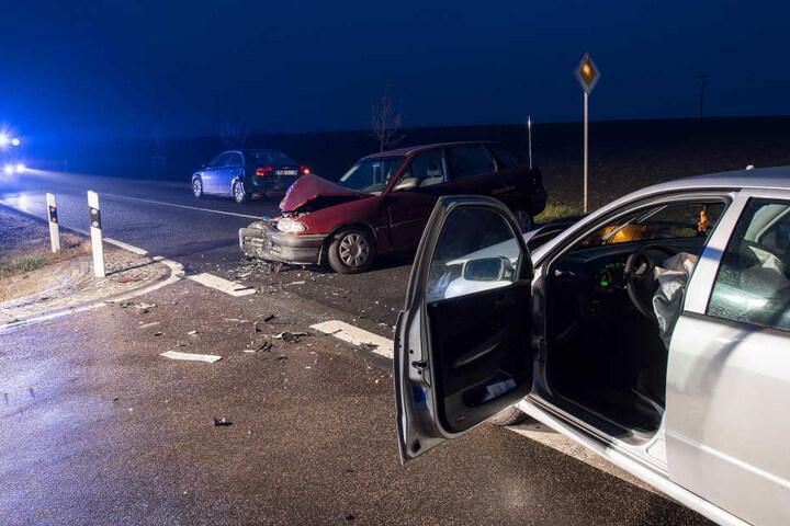 Drei Autos waren in den Unfall an einer Kreuzung bei Zetteritz beteiligt.