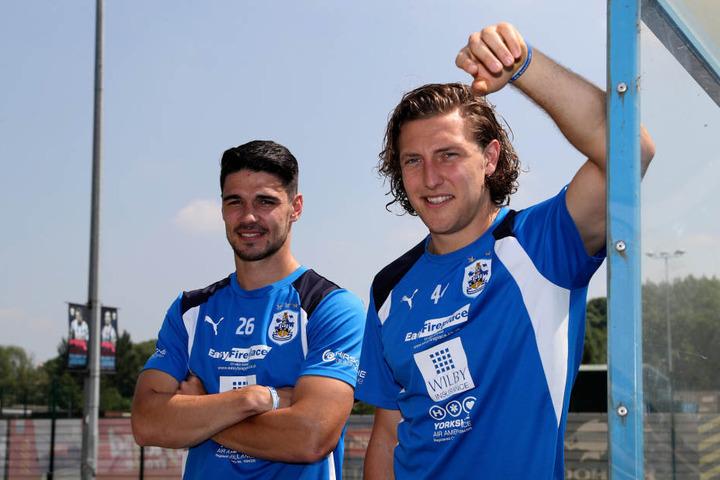 Deutsches Abwehrbollwerk von Huddersfield Town: Christopher Schindler (l.)  und Ex-Dynamo Michael Hefele.