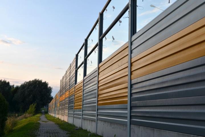 Eine 600 Meter lange Lärmschutzwand wird an der A2 errichtet. (Symbolbild)
