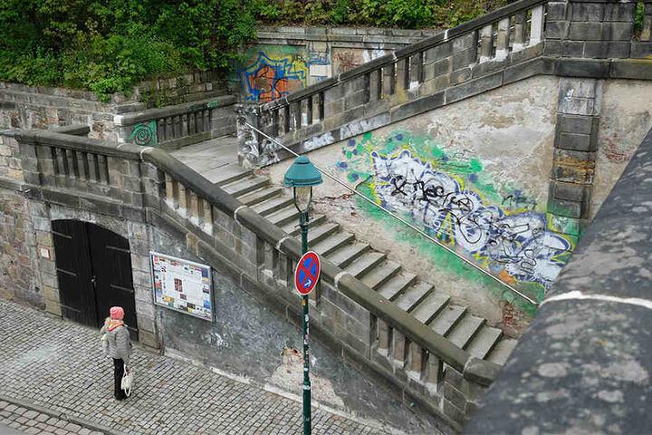 Auch in Chemnitz muss immer mehr Geld für die Beseitigung der bunten Spray-Bilder ausgegeben werden.