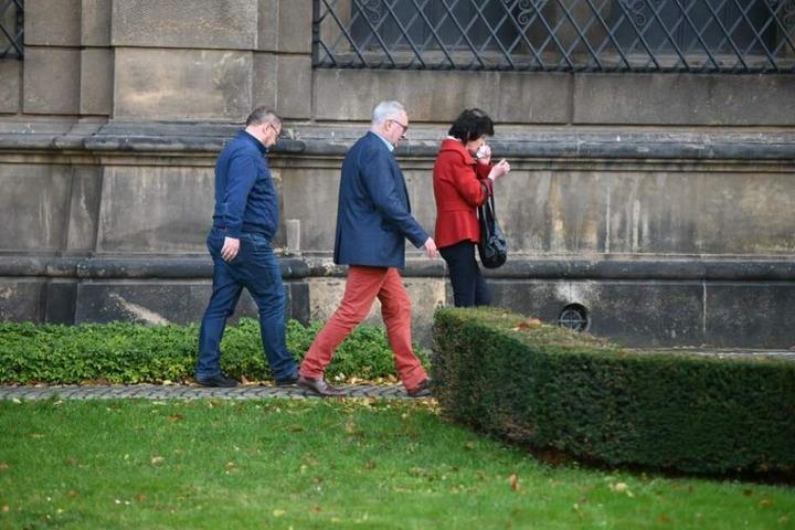 Kunstministerin Eva-Maria Stange (62, SPD) und Dirk Syndram (64, Mitte), Direktor des Grünen Gewölbes.