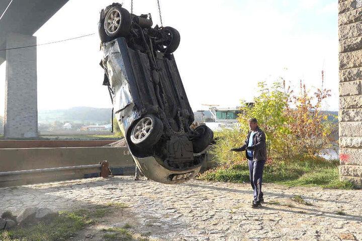 Wie kommt ein gestohlenes Auto in die Donau bei Pentling im Landkreis Regensburg? Das herauszufinden, ist nun Aufgabe der Ermittler.