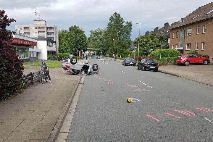 Die Straße musste für 90 Minuten lang gesperrt werden.
