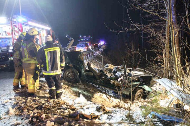 Der 38-jährige Autofahrer durchbrach die Leitplanke.