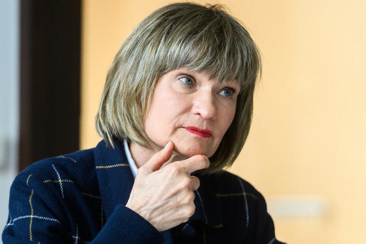 Oberbürgermeisterin Barbara Ludwig (57, SPD) setzt sich für Tempo 50 ein.