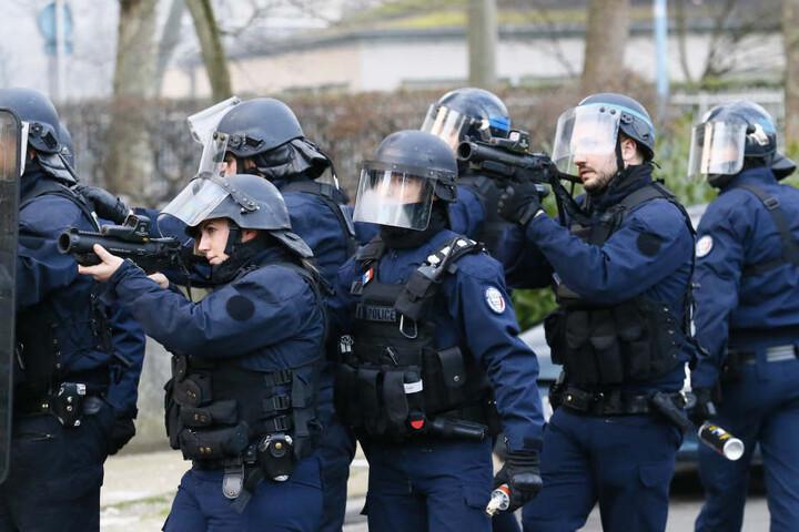 Die Polizei musste Tränengas einsetzen.