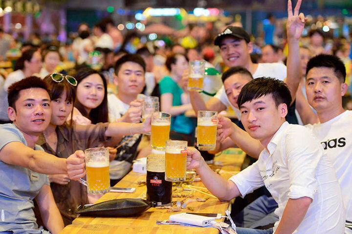 Auf das gute Pils! In China, wie hier in Qingdao, ist sächsisches Bier höchst beliebt.