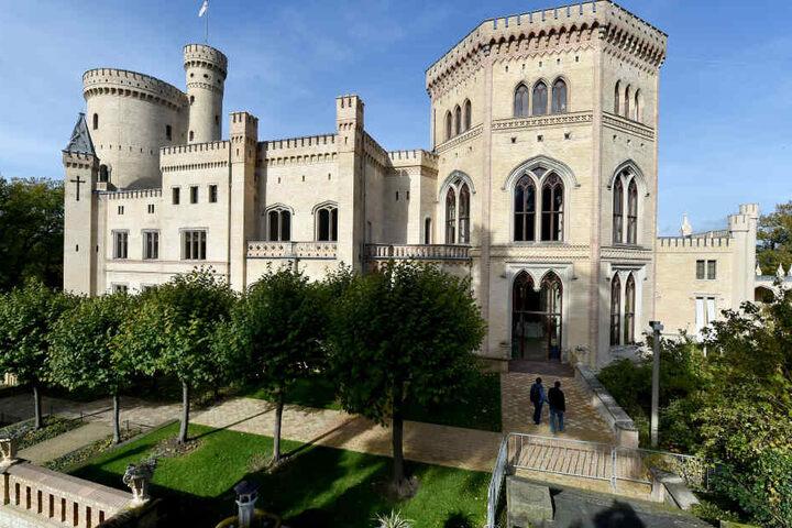 Sommerliche Tempraturen, Schöne Aussichten am Schloss Babelsberg: Brandenburg hat an Architektur viel zu bieten.