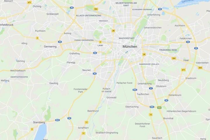 Auf der Autobahn 95 ist es in Bayern in der Nacht auf Sonntag zu einem tödlichen Unfall gekommen.