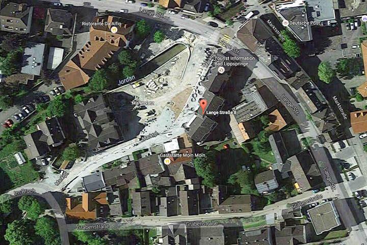 Das Wettbüro, in dem Mitte August eingebrochen wurde, befindet sich am Marktplatz in Bad Lippspringe.