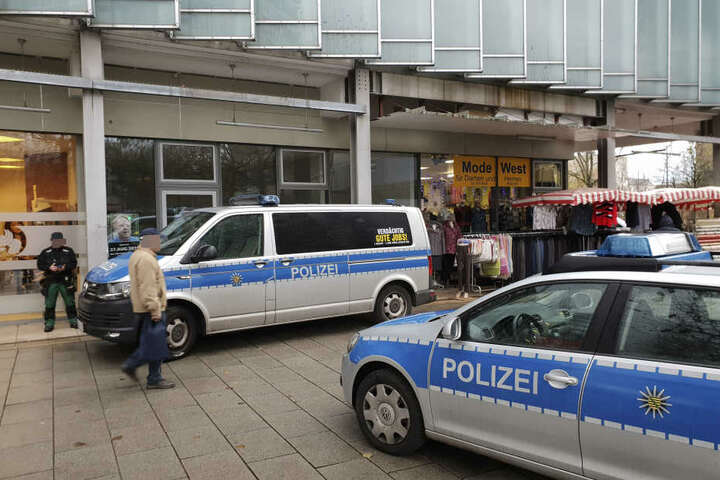 Die Polizei beendete die Aktion am Montag im Rosenhof.