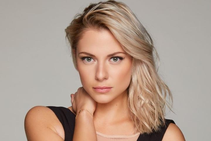 Der Sänger gesteht eine kleine Schwärmerei für GZSZ-Beauty Valentina Pahde (24).
