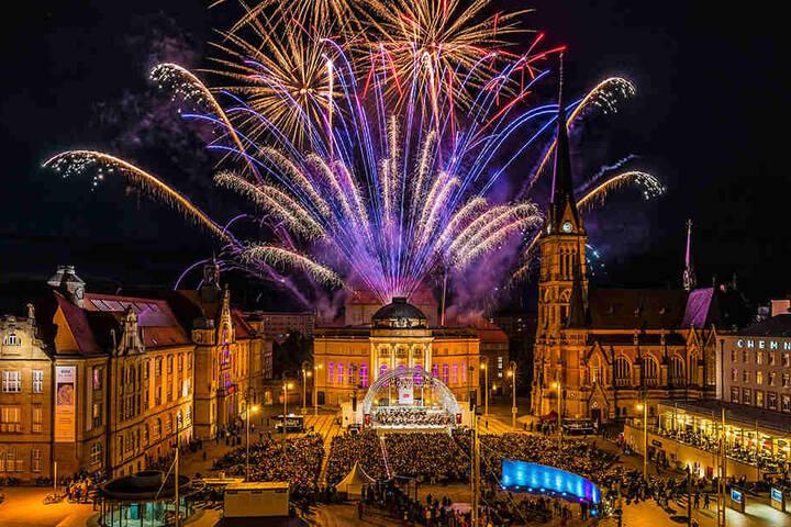 Ein großes Abschlussfeuerwerk ist sowohl bei Classics unter Sternen als auch beim Konzert zum Theater-Saisonauftakt geplant.