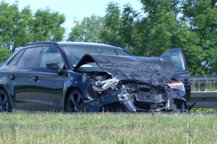 Der Audi war mit voller Wucht in den Opel geknallt.