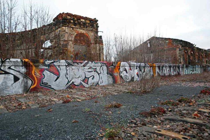 Die Überreste des Alten Leipziger Bahnhofs verfallen seit Jahrzehnten.
