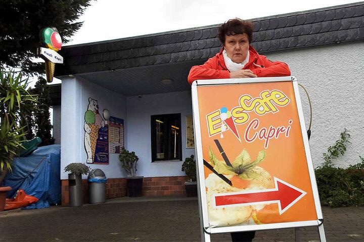 """Gerlinde Henke betreibt das Eiscafé """"Capri"""" seit der Wende mit ihrer Familie."""