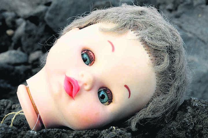 Sieben Puppen wurden in einem Kindergarten zerstückelt.