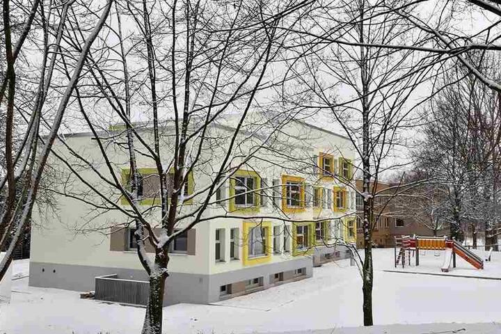 """Ein alter Plattenbau in der Max-Müller-Straße wurde für rund 2 Millionen Euro zum """"Integrationshaus"""" saniert."""