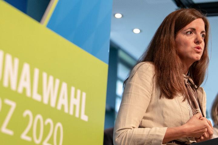 Kristina Frank, CSU-Oberbürgermeister-Kandidatin für München, spricht nach der CSU-Vorstandssitzung auf einer Pressekonferenz für die Kommunalwahl.