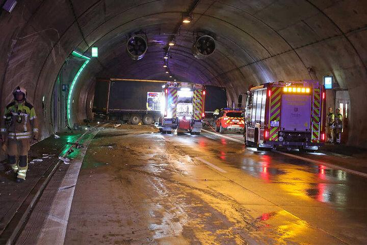 Der Tunnel glich nach dem Unfall einem Trümmerfeld.