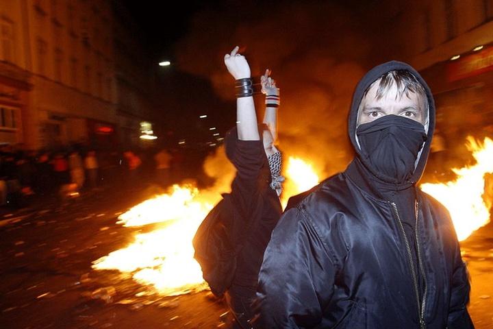Meist bleibt es bei Autonomen und Linksradikalen nicht bei friedlichem Protest.